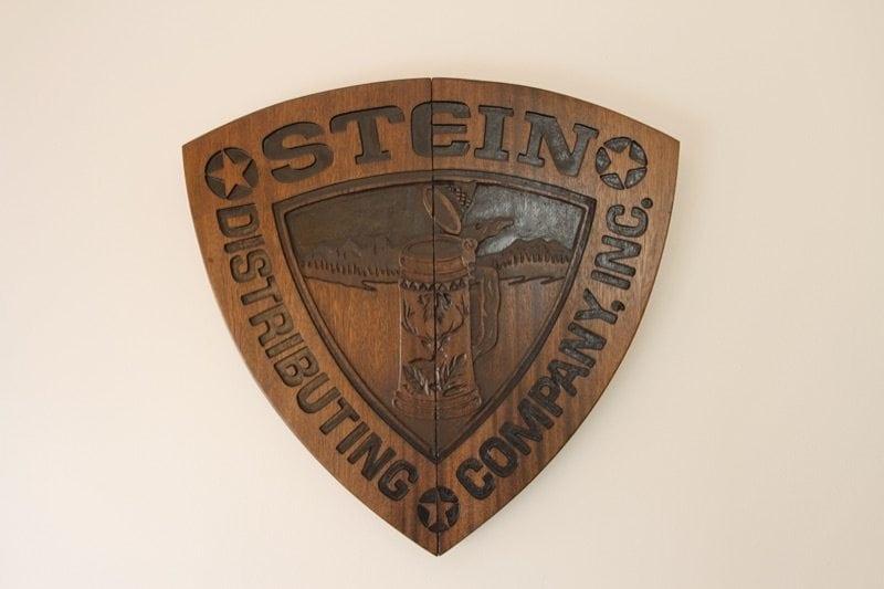 stein_distributing_0510